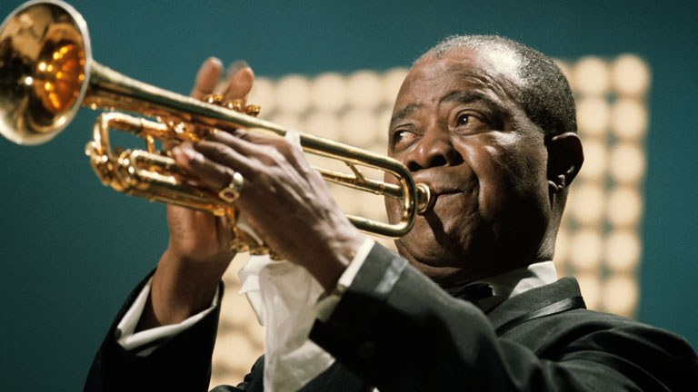 A look at the early childhood of louis armstrong and the early years of his music