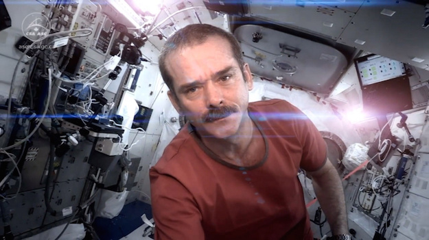 Chris Hadfield talks about how to Make the Impossible Possible with James Altucher and the power of a space oddity